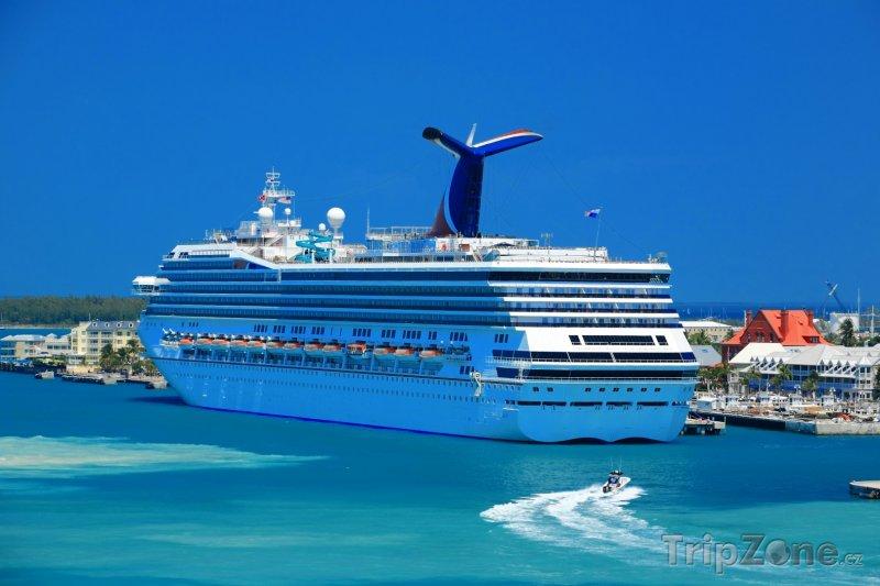 Fotka, Foto Výletní loď v přístavu (Key West, USA)