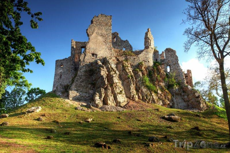 Fotka, Foto Zřícenina hradu Hrušov (Slovensko)