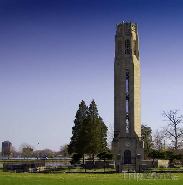 Fotka, Foto Zvonice v parku Belle Isle (Detroit, USA)