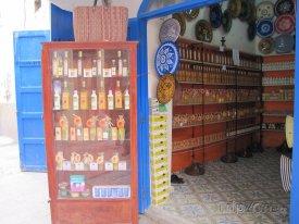 Essaouira, obchod s arganovým olejem
