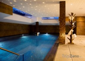 Krásný hotelový bazén