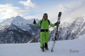 Lyžařský průvodce Tom Kleinlercher přezdívaný ''Powder Tom''