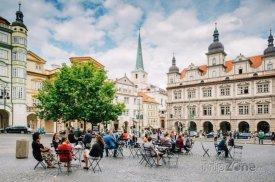 Pražské židle už se nacházejí na 60 místech, foto: iprpraha.cz