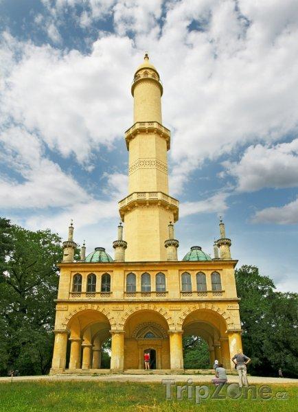 Fotka, Foto Rozhledna Minaret v zámeckém parku Lednice
