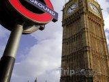 Big Ben a znak londýnského metra