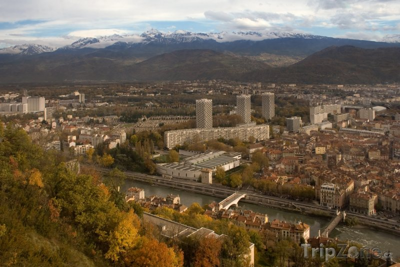 Fotka, Foto Grenoble, pohled na město (Francouzské Alpy, Francie)