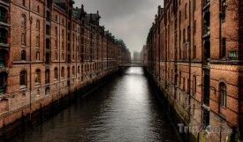 Hamburk - skladiště starého přístavu