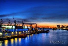 Hamburský přístav v noci
