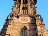 Hodiny na věži katedrály ve Freiburku