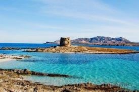Kamenná pevnost u pobřeží
