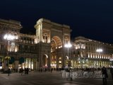 Pohled na Galleria Vittorio Emanuele II z Piazza del Duomo