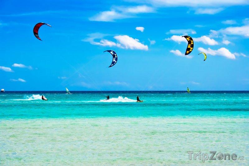 Fotka, Foto San Teodoro, pláž Cinta (Sardinie, Itálie)