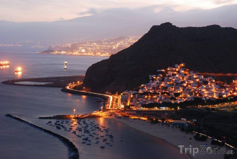 Fotka, Foto Tenerife za soumraku (Kanárské ostrovy, Španělsko)