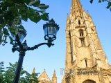 Věž katedrály Saint-André