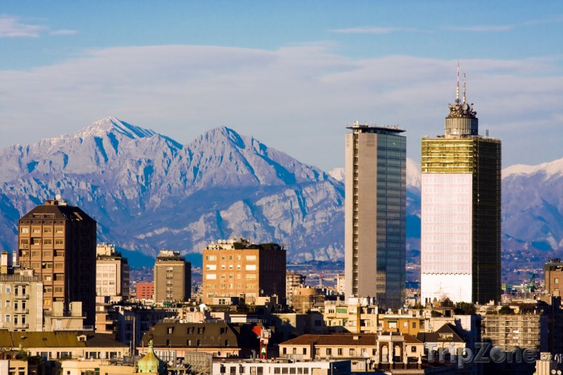 Fotka, Foto Výškové budovy (Milán, Itálie)