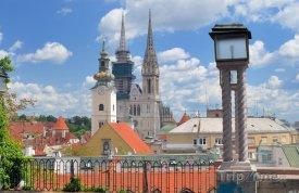 Záhřeb, pohled na město, v pozadí katedrála