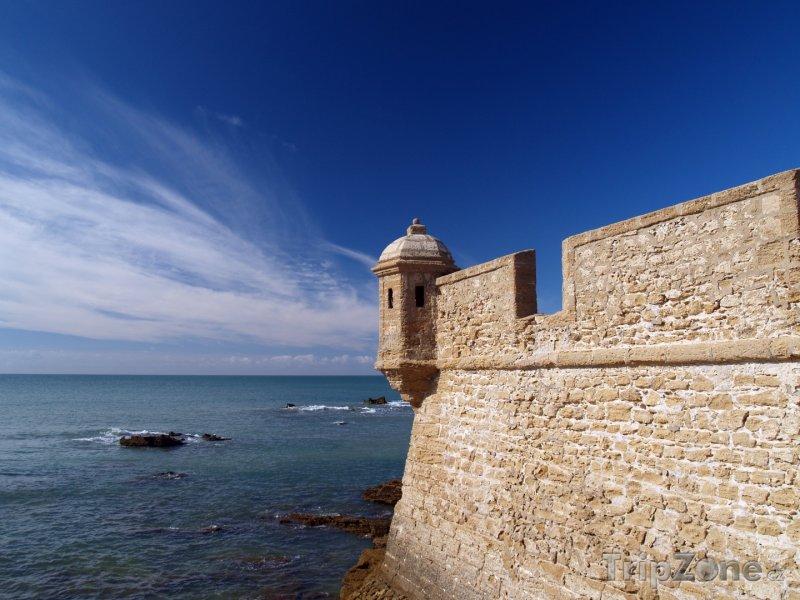 Fotka, Foto Andalusie - historické opevnění v Cadizu (Španělsko)