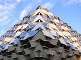 Futuristická budova z Expa 2008 v Zaragoze