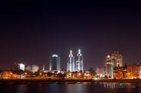 Montevideo v noci