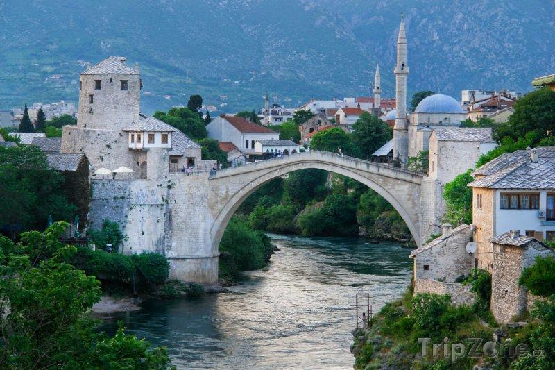 Fotka, Foto Mostar, most přes řeku Neretvu (Bosna a Hercegovina)