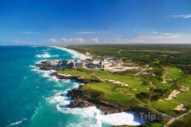 Pohled na Karibské moře z helikoptéry