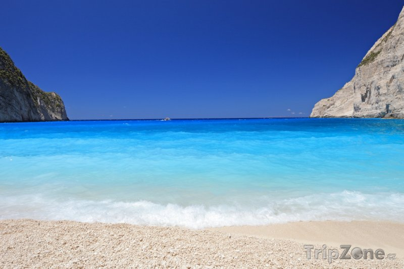 Fotka, Foto Pohled z pláže Navagio (Zakynthos, Řecko)