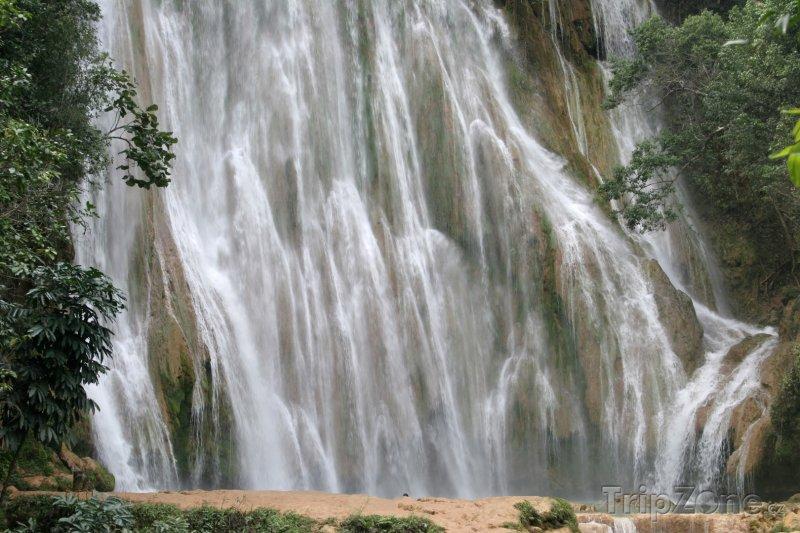 Fotka, Foto Provincie Sanamá, vodopád El Limón (Dominikánská republika)