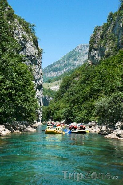 Fotka, Foto Rafty na řece Neretvě (Bosna a Hercegovina)
