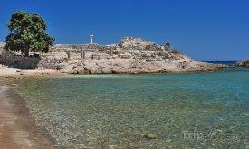 Starověké ruiny u pláže v Kefalosu