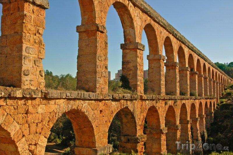Fotka, Foto Tarragona, akvadukt Pont del Diable (Aqüeducte de les Ferreres) (Costa Dorada, Španělsko)