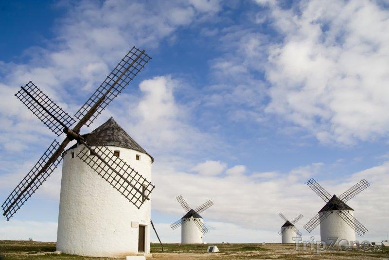Fotka, Foto Větrné mlýny v Campo de Criptana (Španělsko)