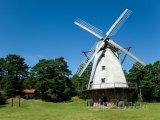 Větrný mlýn ve městě Ventspils