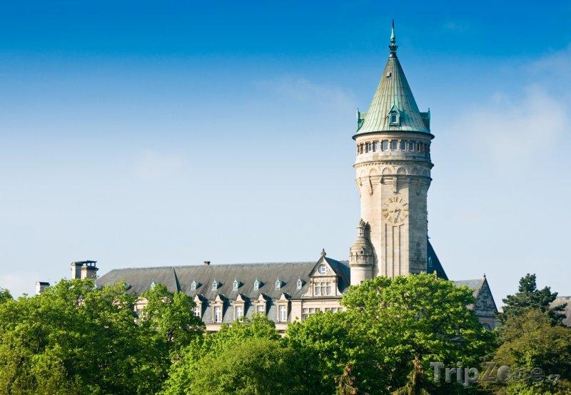 Fotka, Foto Zámecká věž s hodinami v Lucemburku (Lucembursko)