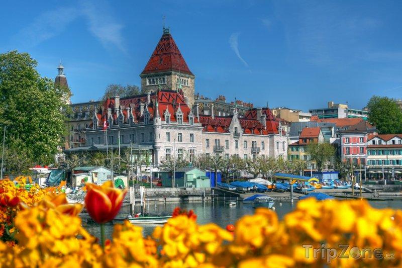 Fotka, Foto Zámek Ouchy v Lausanne (Švýcarsko)