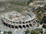 Antalya, antický amfiteátr z ptačí perspektivy