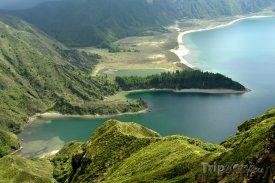 Azory, ostrov Sao Miguel, jezero Lagoa do Fogo