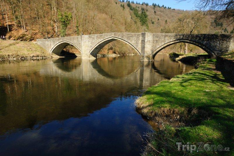 Fotka, Foto Bouillon, most přes řeku Semois (Belgie)