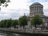 Dublin, soudní budova Four Courts