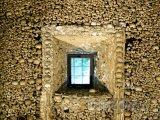 Évora, kostnice Capela dos Ossos