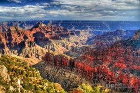 Grand Canyon hrající všemi barvami