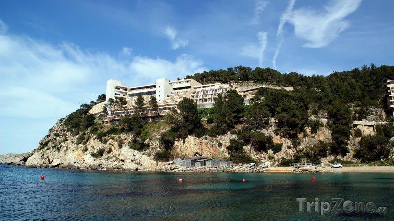 Fotka, Foto Ibiza, hotel na pobřeží (Ibiza, Španělsko)