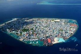 Letecký snímek hlavního města Male