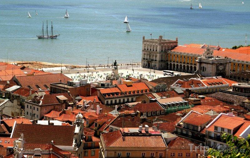 Fotka, Foto Lisabon, pohled na nábřeží (Lisabon, Portugalsko)