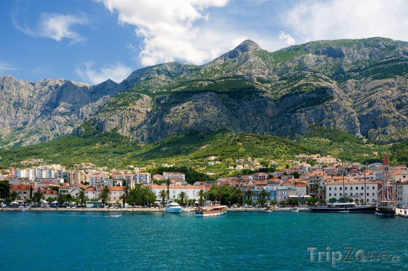 Fotka, Foto Město Makarska, pobřeží a úbočí hor (Chorvatsko)