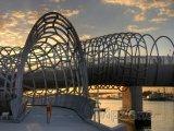 Moderní most v Melbourne
