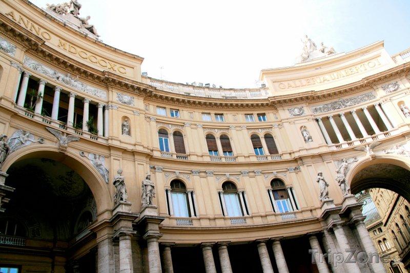 Fotka, Foto Nákupní pasáž Galleria Umberto I. (Neapol, Itálie)