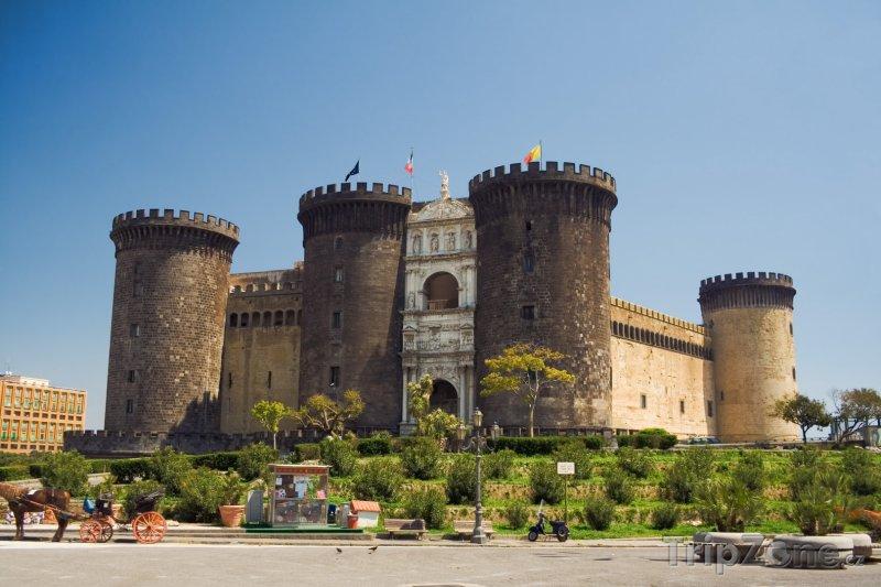 Fotka, Foto Neapolský hrad Nuovo (Neapol, Itálie)
