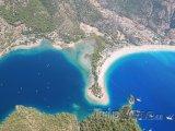 Pláž Ölüdeniz z ptačí perspektivy
