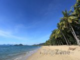 Pláž v Cairns