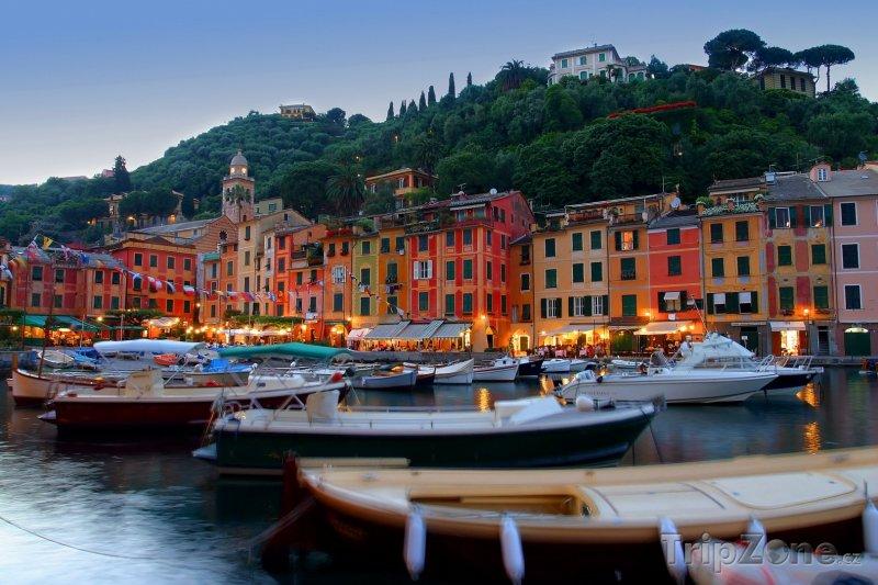 Fotka, Foto Portofino - přístav a rybářské lodě (Itálie)